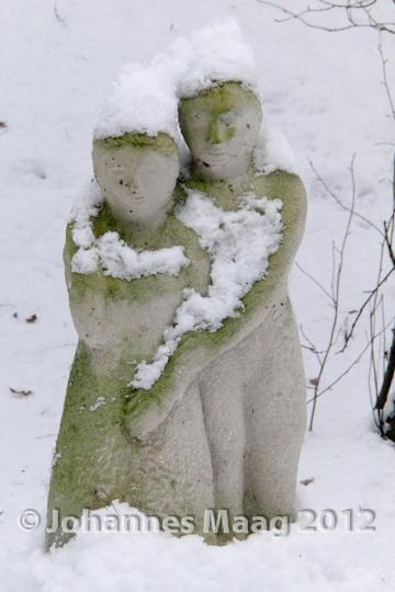 0131 Ehepaar im Schnee